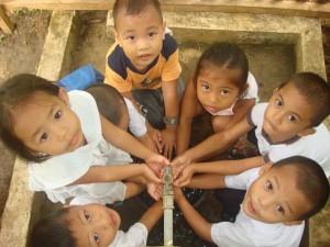children water circle